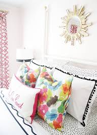 Pink Bedroom Cushions - best 25 colorful pillows ideas on pinterest colorful throw