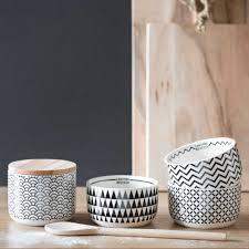 meuble design japonais coupelle zigzag en faïence blanche black u0026 white maisons