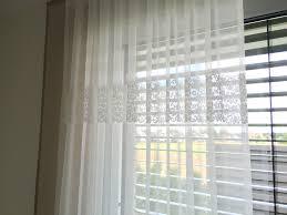 Schlafzimmer Fenster Abdunkeln Gardine Store Weiß Taupe Spitze Weiß Große Fenster Deko