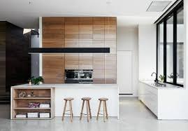 cuisine blanc laqué et bois la cuisine blanche laquée en 35 photos qui vont vous inspirer