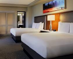chicago guest rooms hilton chicago il lodging
