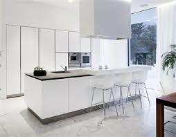 cuisines blanches modele cuisine avec ilot bar 12 53 variantes pour les cuisines