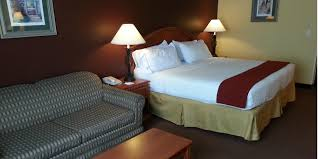 Rooms To Go Outlet Ocala Fl by Holiday Inn Express Gainesville I 75 Sw Hotel By Ihg
