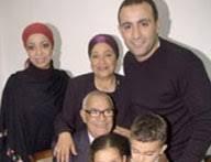 صور احمد السقا مع زوجته Images?q=tbn:ANd9GcSNcy9dUVwvfLo-TFv3_kk-F1JQ3j7nLWXZUfL8eNsIgV_4CKaR
