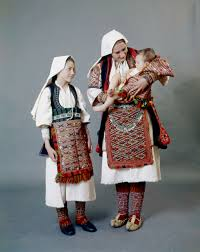 Best Costumes Woman And Children In Their Best Costumes Of Antartiko Florina