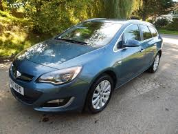 vauxhall astra automatic used 2013 vauxhall astra 2 0 se cdti auto estate only 19290 miles