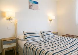 hotel avec dans la chambre dans le sud location d appartement en bord de mer à l hôtel de la plage