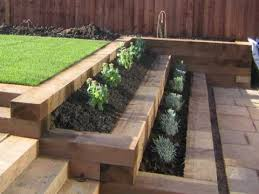 Small Garden Retaining Wall Ideas Retaining Wall Wooden Sleepers Search Pinteres