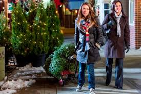 29 signs that you are watching a hallmark christmas movie ew