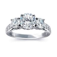 3 diamond rings 3 diamond ring best 25 three engagement rings ideas on