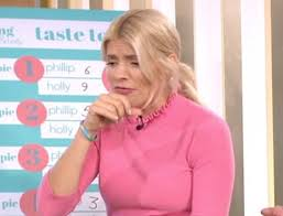 holly willoughby disgusted by blue cheese mince pies but