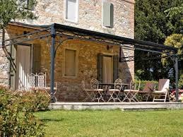 tettoia in ferro pensilina in giardino