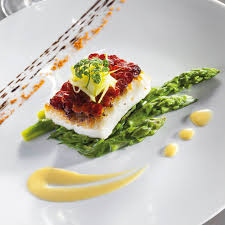 recette cuisine gastro pavé de turbot en écailles de chorizo légumes primeurs et beurre d