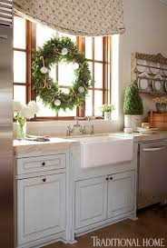 Christmas Window Decorations For Home by Holiday Window Ideas Christmas Kitchen Windows