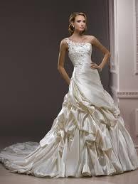 ivory a line wedding dresses wedding decorate ideas