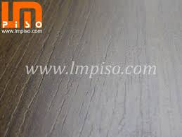 Click Laminate Flooring Chinese E1 7mm Hdf Class 31 Middle Embossed Laminated Floors