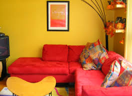 What Color Sofa Goes With Yellow Walls Best 25 Yellow Family Rooms Ideas On Pinterest Brown Living