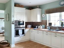 Shaker Kitchens Designs by Shaker Style Cabinets With Gloss White Shaker Kitchen Units Magnet