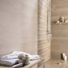 cr ence miroir cuisine faience beige salle de bain carrelage mural et fa ence pour bains cr