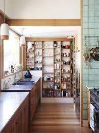 rangement mural cuisine cuisine rangement mural outil intéressant votre maison