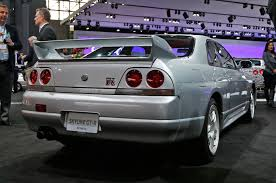 nissan skyline engine nissan skyline gt r r33 rear three quarter motor trend