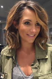 hairstyles for medium length hair women best 25 mid length hairstyles ideas on pinterest mid length