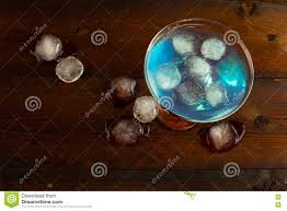blue curacao liqueur with ice top view stock illustration image