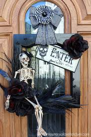 halloween wreath from a cabinet door confessions of a serial