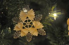 diy pasta snowflake ornaments for beesdiy