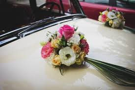 wedding flowers questions to ask to ask your wedding floral designer