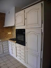 cuisine a faire soi meme cuisine table de cuisine carrelée carrelage mural cuisine en