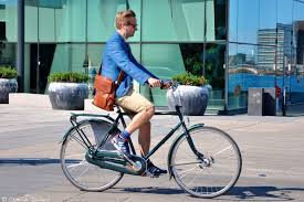 the cyclechic blog cyclechic cycle chic summer solstice men and brown leather bags