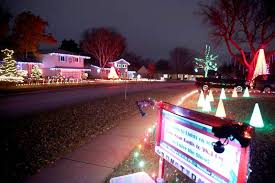 christmas lights set to music five homes in rolling meadows are stopping traffic
