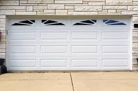 your guide for choosing residential garage doors