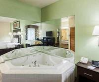 Comfort Suites Seaworld San Antonio San Antonio Hotels With Jacuzzi Rooms