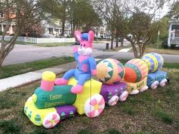 Outdoor Easter Decorations Uk by Holiday Loving Couple Shows Off Epic Easter Decorations Including