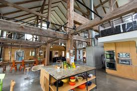 Old Homes With Modern Interiors Barn Turned Into A Beautiful Home Home Pinterest Dilapidated 18th