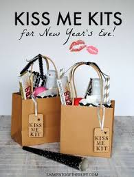 new years kits me kits for new year s favors and