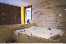 Huge Bathtub Hotels With Huge Bathtubs Tubethevote