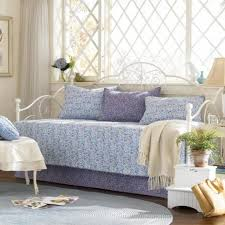 modern daybed ideas difference between modern daybed sizes