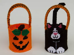 plastic canvas mini halloween baskets plastic canvas kits com