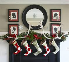 Christmas Decoration For Mantelpiece by Amazing Diy Fireplace Mantel Christmas Makeovers