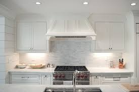 Linear Marble Backsplash Design Ideas - Linear tile backsplash