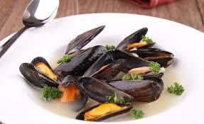 cuisiner des moules au vin blanc recette de moules marinières