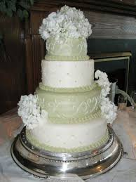 stacking buttercream wedding cake how to stack cake tiers