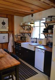 cabin kitchen ideas best 25 small cabin kitchens ideas on rustic cabin