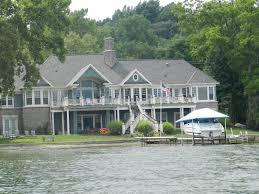 lake house love lake houses
