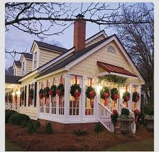 how to hang christmas lights outside windows 1485 best christmas images on pinterest christmas decor merry