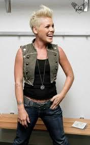 hair styles from singers best 25 pink singer hair ideas on pinterest singer pink