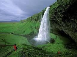 5 breathtaking waterfalls around the world